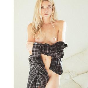 Farah Holt Nude Photos – Celeb Nudes