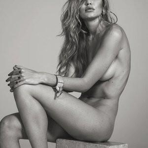 Gigi Hadid Nude Pic – Celeb Nudes