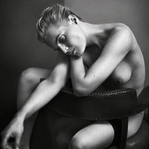 Guinevere Van Seenus Nude Photos – Celeb Nudes