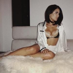 Halsey Sexy – Celeb Nudes