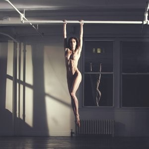 Hilary Rhoda Naked Photo – Celeb Nudes