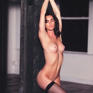 Hilary Rhoda Topless Photos – Celeb Nudes