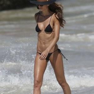 Izabel Goulart Bikini Photos – Celeb Nudes