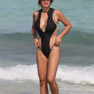 Jackie Cruz Flexing And Looking Sexy – Celeb Nudes
