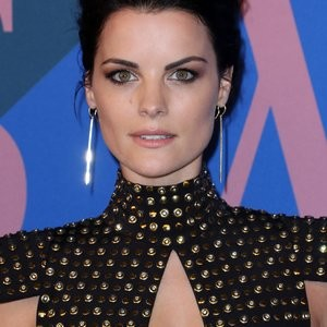 Jaimie Alexander Stares Deep Into Your Soul – Celeb Nudes