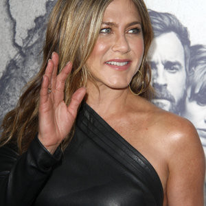 Jennifer Aniston Looks Incredible In A Tight Dress – Celeb Nudes