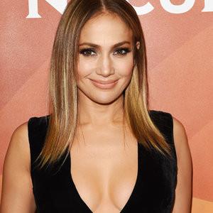 Jennifer Lopez Cleavage Photos – Celeb Nudes