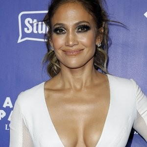 Jennifer Lopez Cleavage Photos – Celeb Nudes