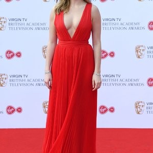 Jodie Comer: All Red Everything (Not Really) – Celeb Nudes
