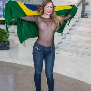 Ju Isen: Bustiest Brazilian Supporter Ever – Celeb Nudes