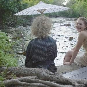 Julia Garner Sexy – Celeb Nudes
