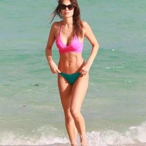 Julia Pereira Sexy Photos – Celeb Nudes