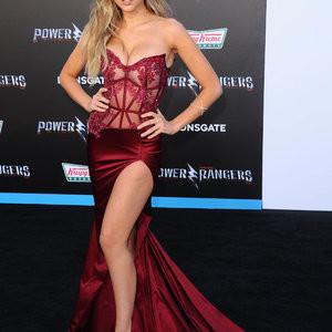 Kara Del Toro Sexy Photos In a Hot Dress – Celeb Nudes