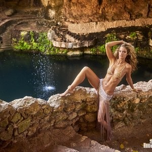 Kate Bock Wears The Most Elaborate Bra – Celeb Nudes