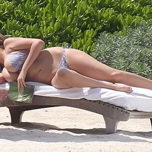 Kate Upton sideboob pics – Celeb Nudes