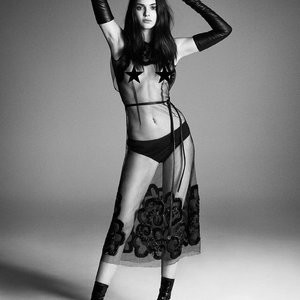 Kendall Jenner topless photos (UPD) – Celeb Nudes