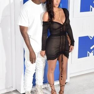 Kim Kardashian Sexy Photos – Celeb Nudes