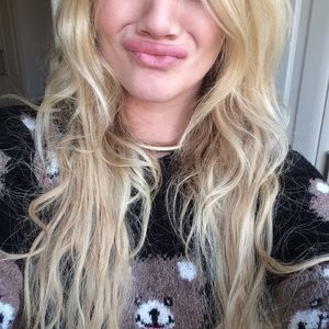 Kirsty-Leigh Porter LEAKS – Celeb Nudes