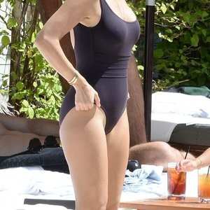 Kourtney Kardashian Sexy Photos – Celeb Nudes