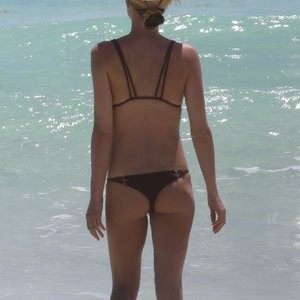Kristin Cavallari Looks Great In a Bikini – Celeb Nudes