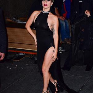 Lady Gaga Braless Photos – Celeb Nudes