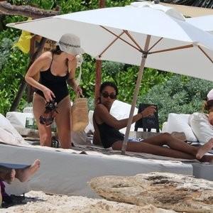 Alycia Debnam-Carey Famous Nude sexy 002