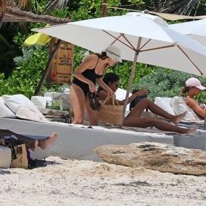Alycia Debnam-Carey Famous Nude sexy 047