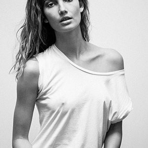 Lily Aldridge Braless Photo – Celeb Nudes