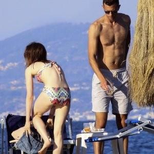 Lily Collins Bikini – Celeb Nudes