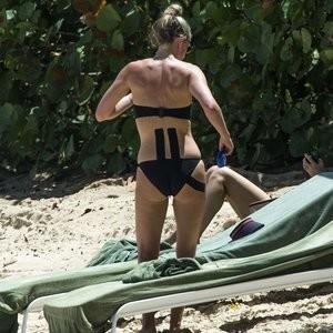 Lisa Carrick Nude Celeb Pic sexy 008