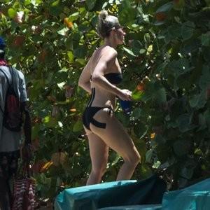 Lisa Carrick Celeb Nude sexy 012