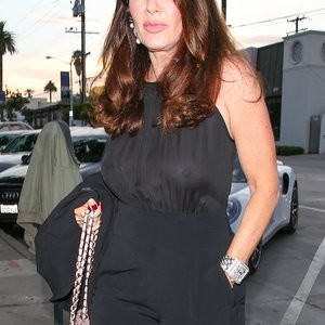 Lisa Vanderpump Braless Photos – Celeb Nudes