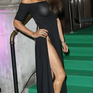 Lizzie Cundy Pantyless Photos – Celeb Nudes