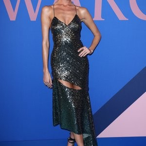 Martha Hunt Sure Knows How To Wear A Dress – Celeb Nudes