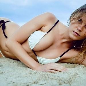 Maryna Linchuk Topless – Celeb Nudes