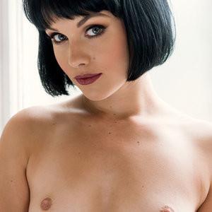 Mellisa Clarke Topless Photos – Celeb Nudes