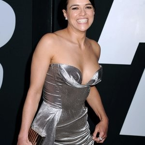 Michelle Rodriguez And Her Seductive Curves – Celeb Nudes