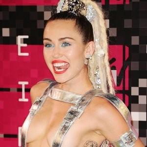 Miley Cyrus New Sexy photos 08/30/2015 – Celeb Nudes