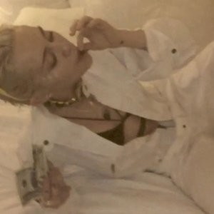 Miley Cyrus nude pics Free nude Celebrity