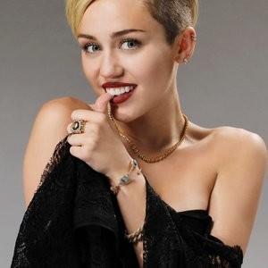 Miley Cyrus Sexy – Celeb Nudes