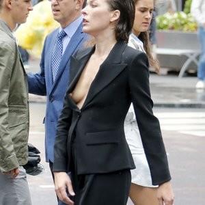 Milla Jovovich NipSlip Photos – Celeb Nudes