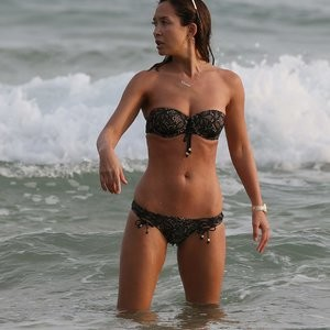 Myleene Klass Free nude Celebrity sexy 005