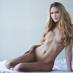 Whitney  nackt Alison TopCelebs
