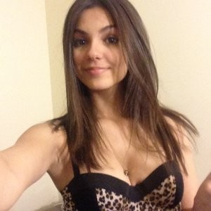 Naked photos of Victoria Justice – Celeb Nudes