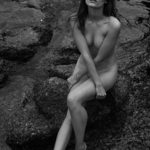 Naked pics of Roos van Montfort – Celeb Nudes