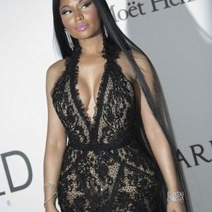 Nicki Minaj Is A Buxom Beauty – Celeb Nudes