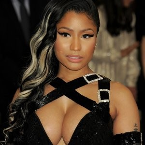 Nicki Minaj Sexy Photos – Celeb Nudes