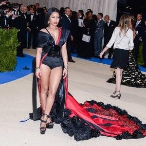 Nicki Minaj Wearing a Sexy Dress – Celeb Nudes
