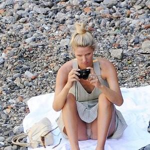 Nicky Hilton Upskirt Photos – Celeb Nudes