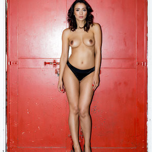 Nicola Paul Free Nude Celeb sexy 005